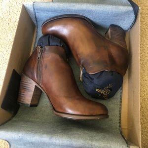 Freebird Darius Heeled Ankle Boots (Cognac)